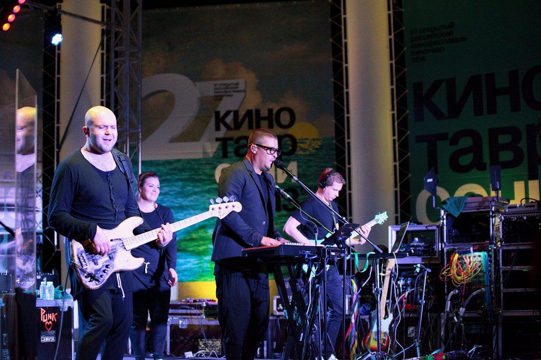 """Выступление Therr Maitz на фестивале """"Кинотавр"""". Фото: Валерий Перевозчиков."""