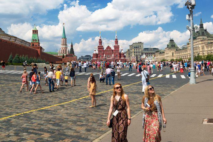 Красная площадь, туристы.